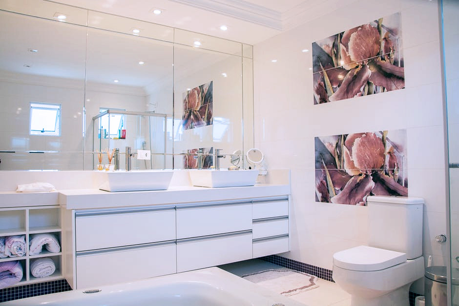 Is the spacious bathroom your apartment's strongest feature? Be sure to write all about it!