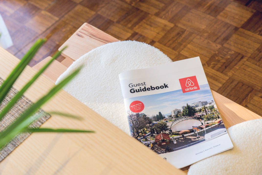 Airbnb guest guide book